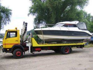 Перевозка катера эвакуатором